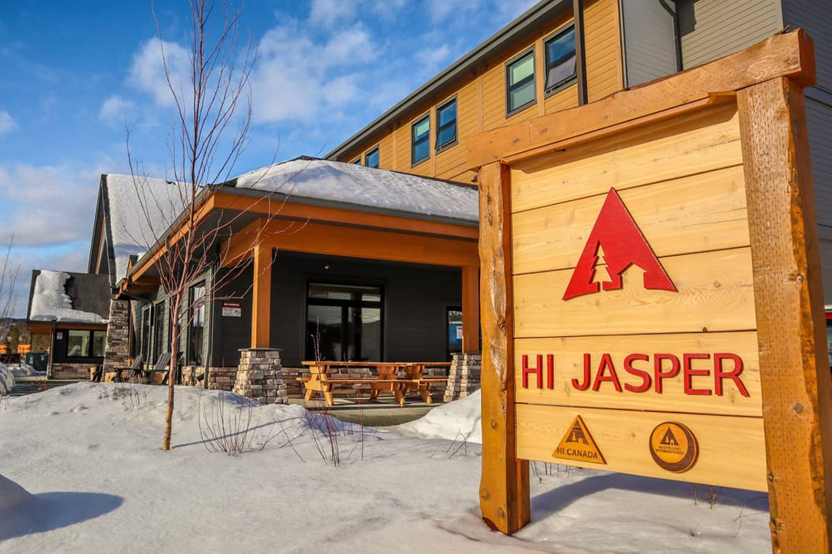 an image of the welcome sign at the HI Jasper Hostel